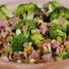 Как приготовить салат с колбасой