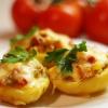 Фаршированный картофель под сыром