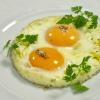 Как приготовить яичницу в микроволновке за две минуты