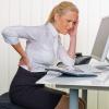 Как правильно сидеть за компьютером, чтобы не болела спина