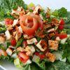 Как приготовить салат с курицей, сыром и помидорами