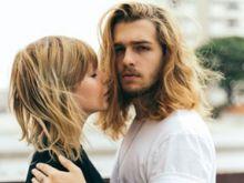 Почему у женщин растут волосы на подбородке