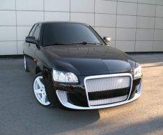 How to remove the grille for Lada Priora