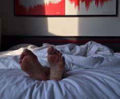 Как помочь себе при синдроме беспокойных ног