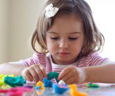 Как развить мелкую моторику рук у ребенка