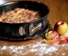 Рецепт шарлотки с яблоками на скорую руку