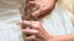 Как и чем украсить платье: советы моднице