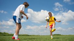 Как играть в футбол