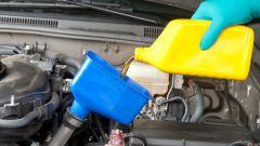 Как поменять масло в двигателе