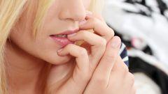 Как отучиться грызть ногти
