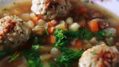 How to cook soup with meatballs