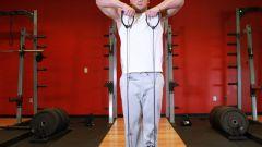Как накачать мышцы эспандерами