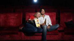 Как поцеловать парня в кино
