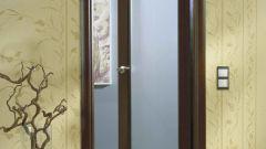 Как устанавливать распашные двери