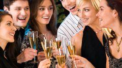 Как поздравить девушек с праздником