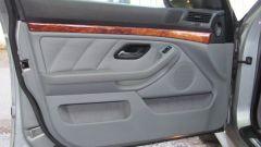 Как снять обшивку двери на BMW