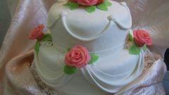 Как украсить торт розами