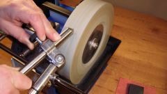 How to sharpen turning tools