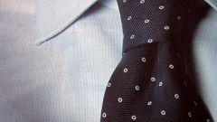 Как завязывать галстук простым узлом