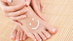 Как уменьшить потливость ног