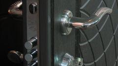 Как установить замок на железную дверь