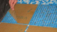 Как укладывать плитку мозаику