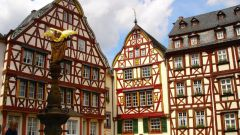 Как оформлять документы для поездки в Германию