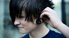 Как сделать эмо-прическу на короткие волосы
