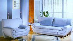 Как вывести пятна на мягкой мебели