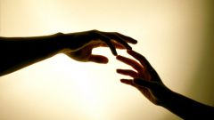Почему дрожат руки