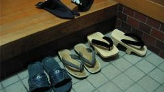 Почему русские снимают обувь при входе