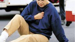Почему болит грудная клетка