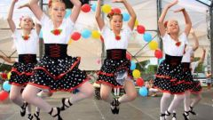 Как поставить детский танец