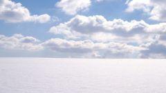 Почему облака движутся