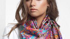 Как носить большой платок