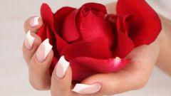Почему слезают ногти