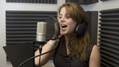 How to learn to sing in English