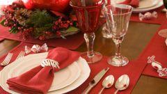 Как украсить новогодний стол своими руками