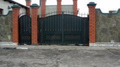 Как выбрать ворота с калиткой для дачи