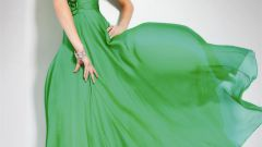 How to choose makeup for green dress