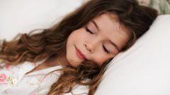 Нужно ли будить ребенка