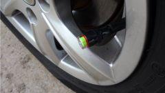 Как измерять давление в шинах