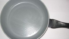 How to clean aluminum pan