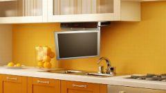 Как разместить телевизор на кухне