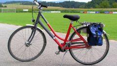 Как накачать колесо велосипеда