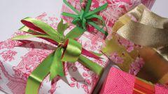 Как выбрать подарок маме