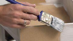 Как покрасить лакированную мебель