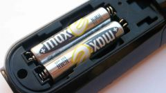 How to charge AA batteries