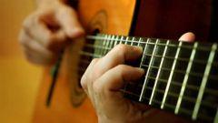 Как играть аккорды на гитаре