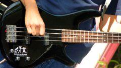 Как настроить бас-гитару